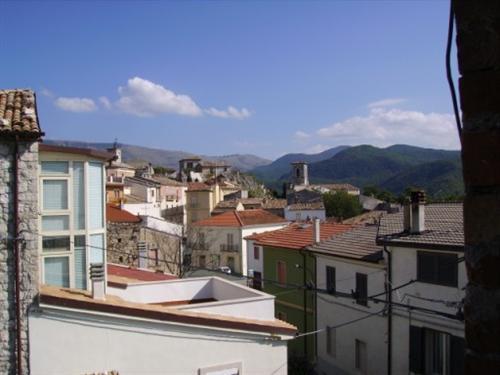 продажа дома в маленьком итальянском городе